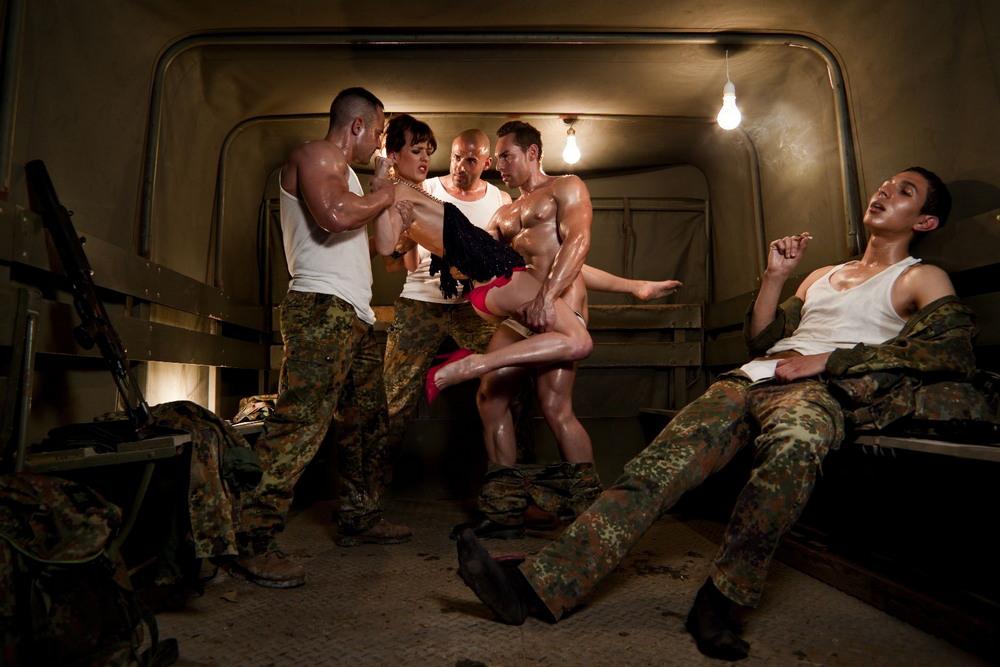 Фотопроект Estranged Sex от Сандры Торральба
