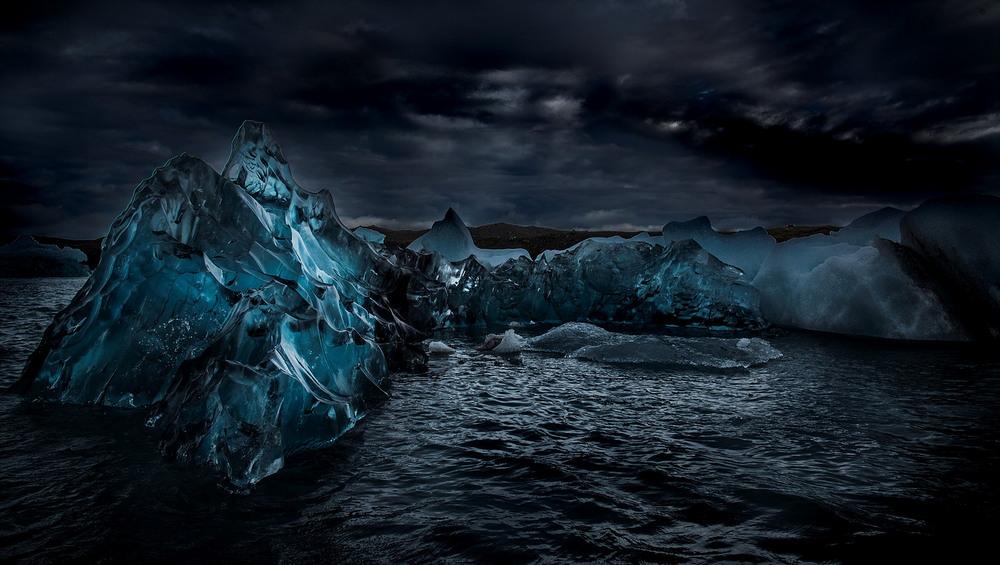 Ледяные пещеры и горы Исландии от Матея Крижа
