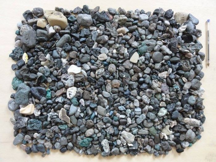 Рассортированный мусор с британского пляжа