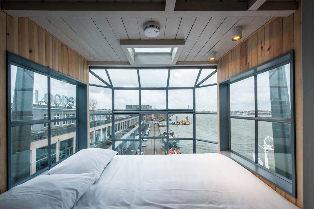 Трёхэтажная квартира в заброшенном портовом кране
