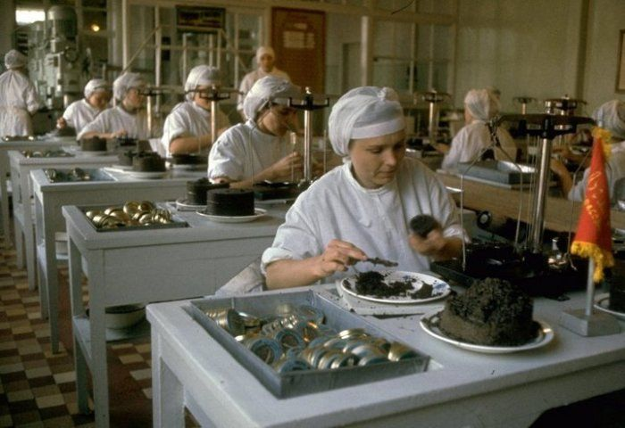 Как добывали черную икру в СССР на фотоснимках американского фотографа
