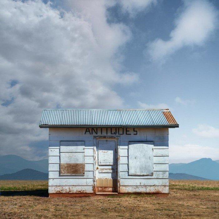 Остановившаяся жизнь придорожных построек западной Америки