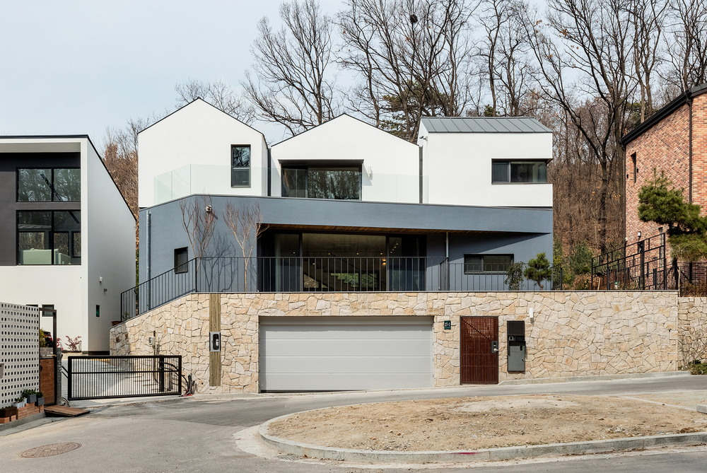 Дом с тройной крышей в Южной Корее