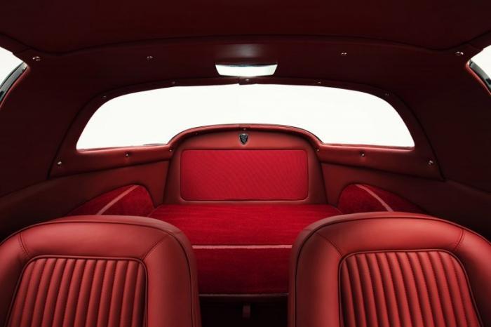 Спорткар Corvette Stingray С2 с современной начинкой