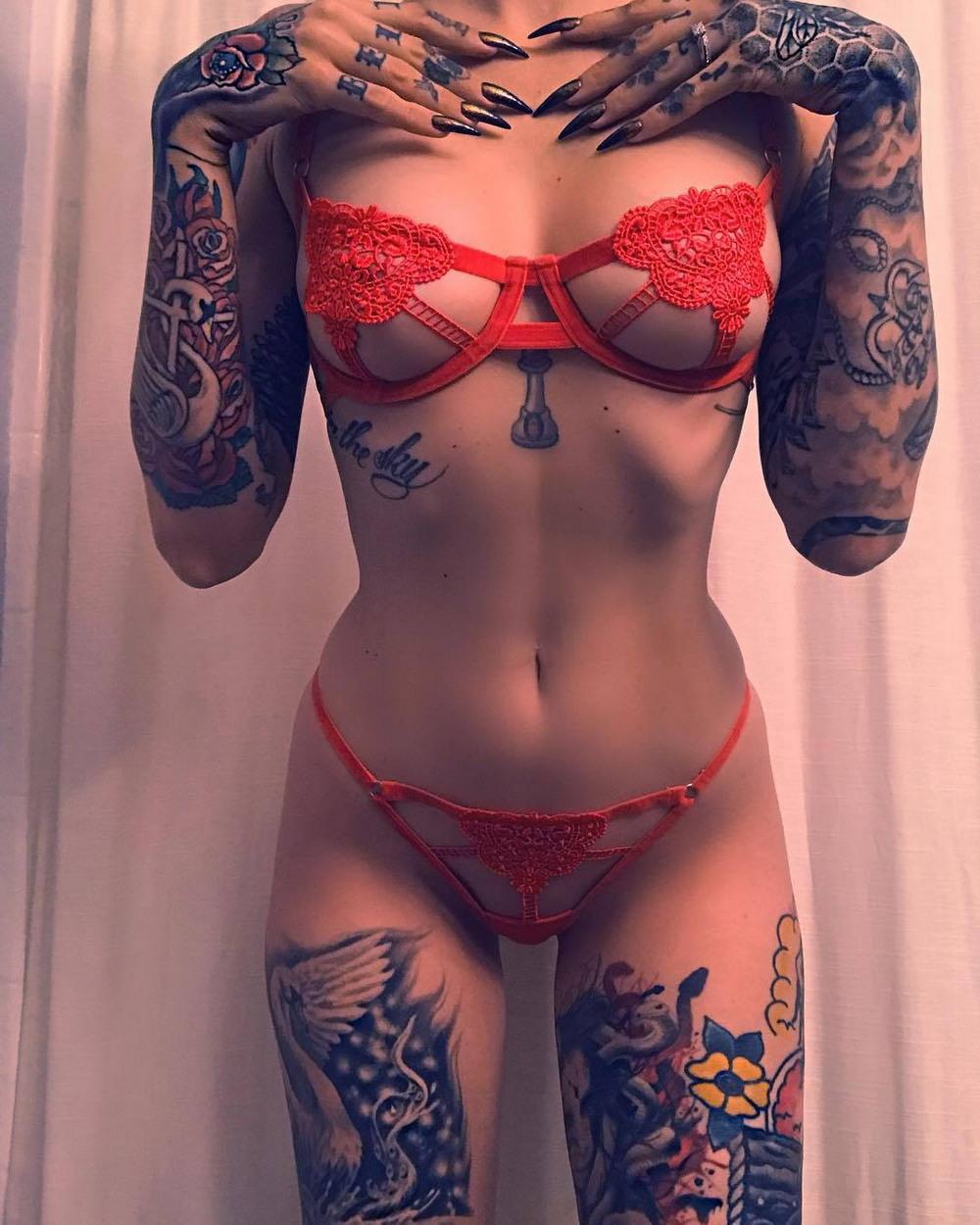 Naked tattoo girl big dan