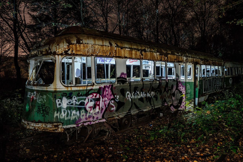 Прогулка по заброшенному троллейбусному кладбищу