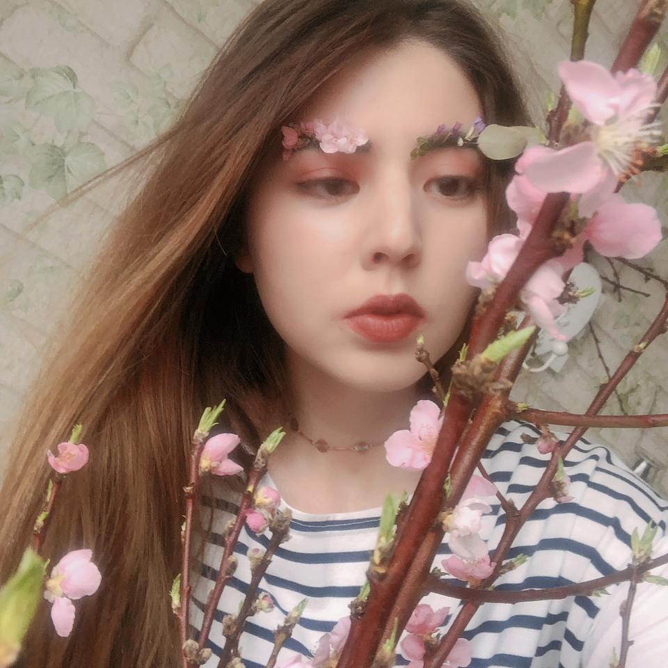 Весенний модный трэнд: брови-сад