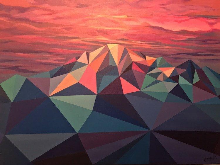 Горные хребты в виде красочных геометрических форм
