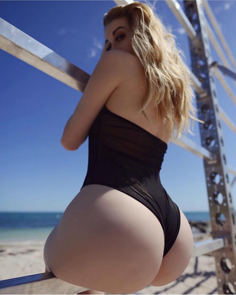 Hot Ass Blonde Luna Star Big Wet Butts
