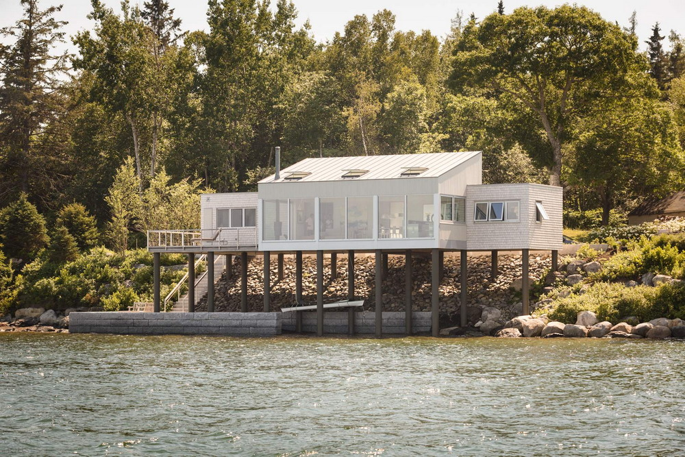 Дом над морем в США