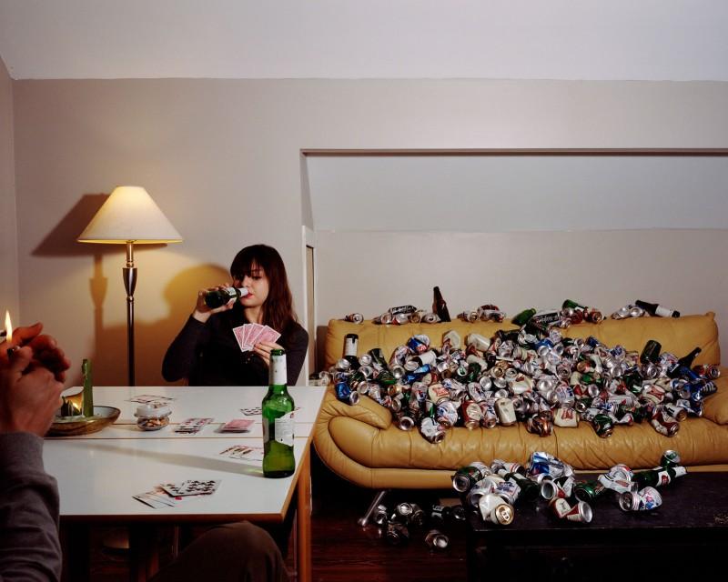 Фотограф завалил квартиры друзей мусором, чтобы показать, что мы творим с планетой