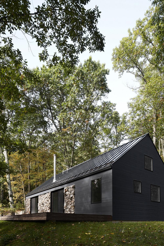 Обновлённый каменный дом в долине реки Гудзон