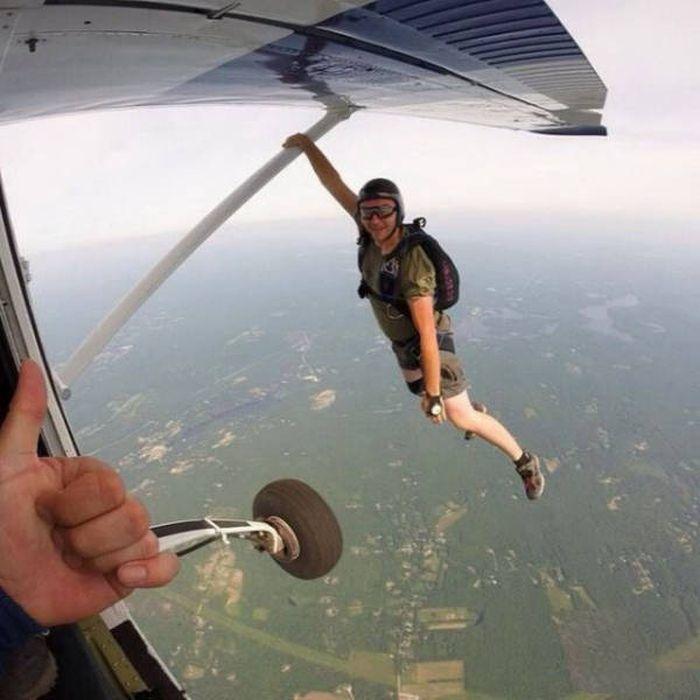 Картинки приколы с парашютом