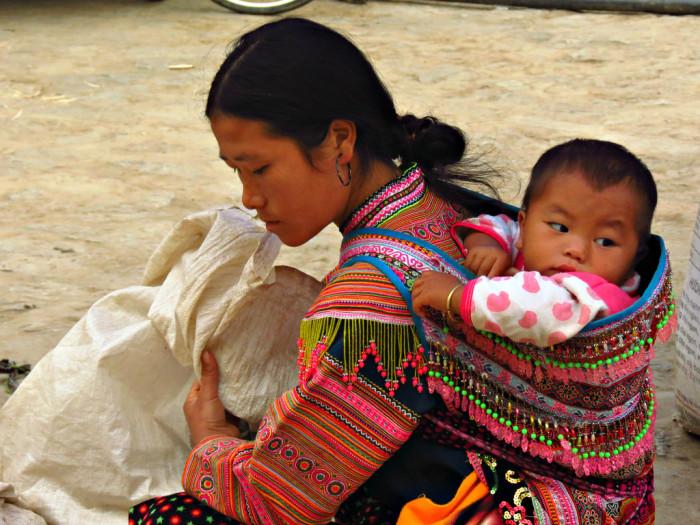Средства для переноски младенцев из разных уголков планеты
