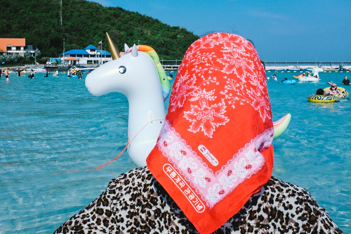 Туристы в Таиланде на снимках Ларри Халлегуа