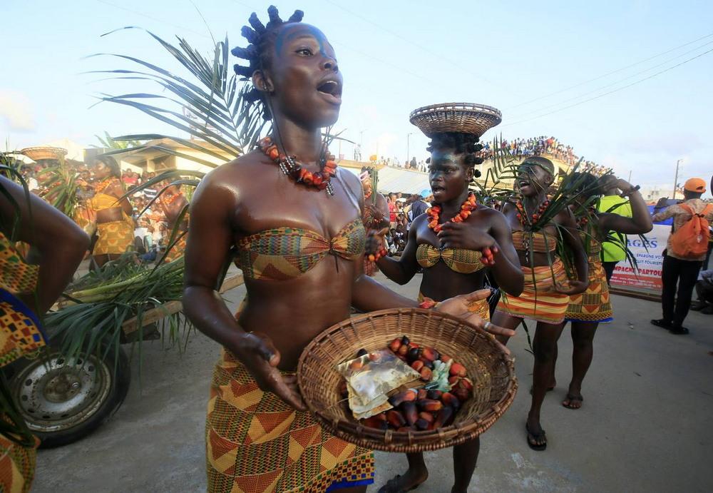 Карнавал Попо в Кот-д'Ивуаре