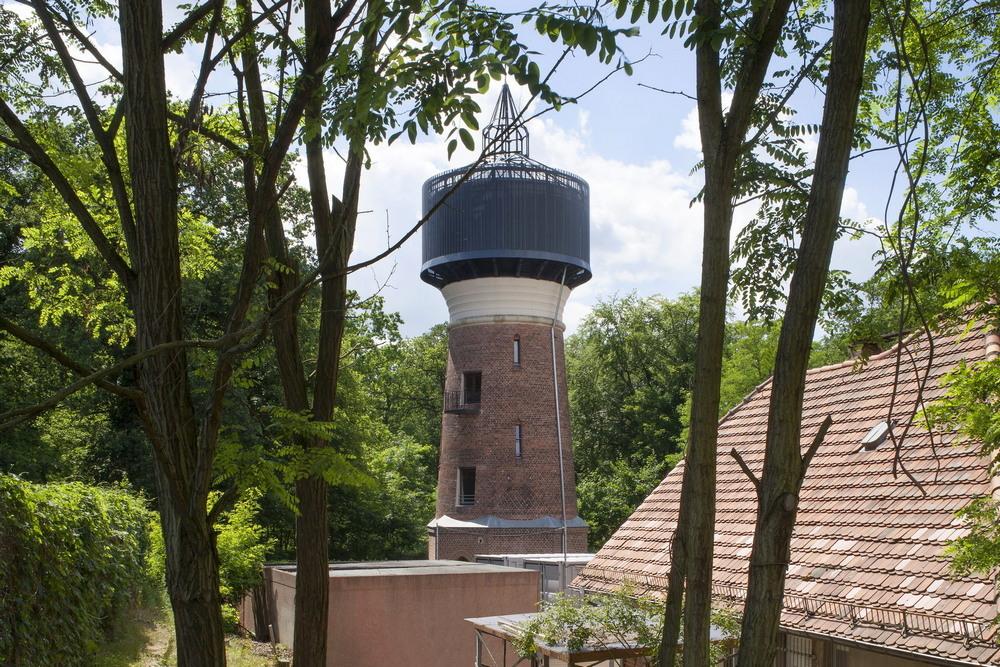Жилище архитекторов из старой водонапорной башни