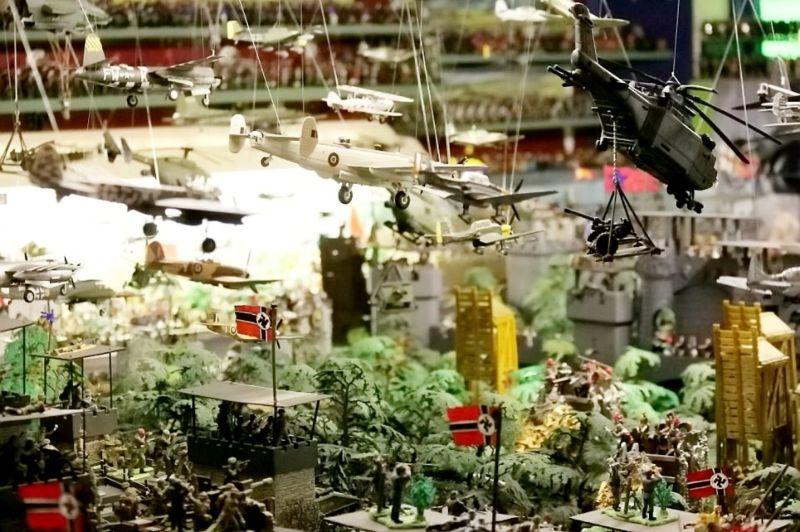 После смерти британца нашли его коллекцию из 250 000 игрушечных солдатиков