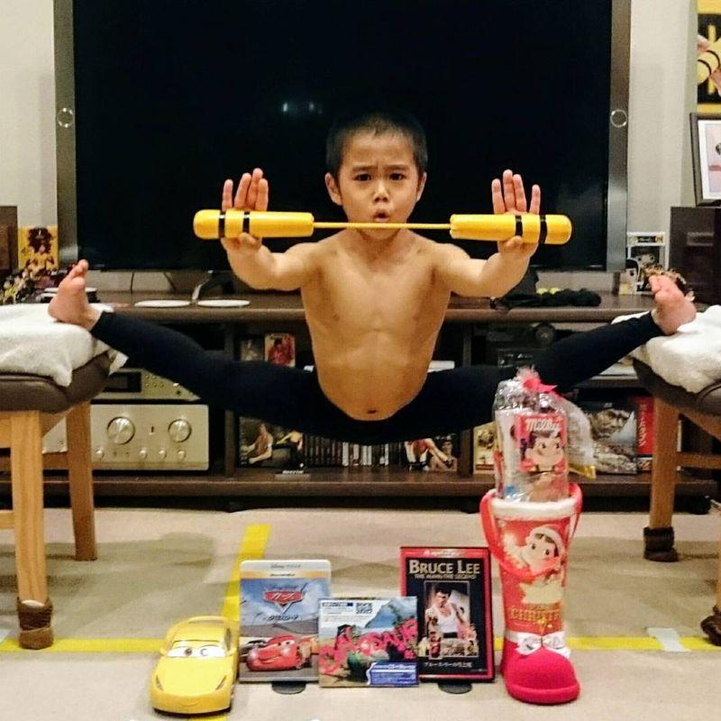 Восьмилетний японец тренируется по четыре часа в день, чтобы стать как Брюс Ли
