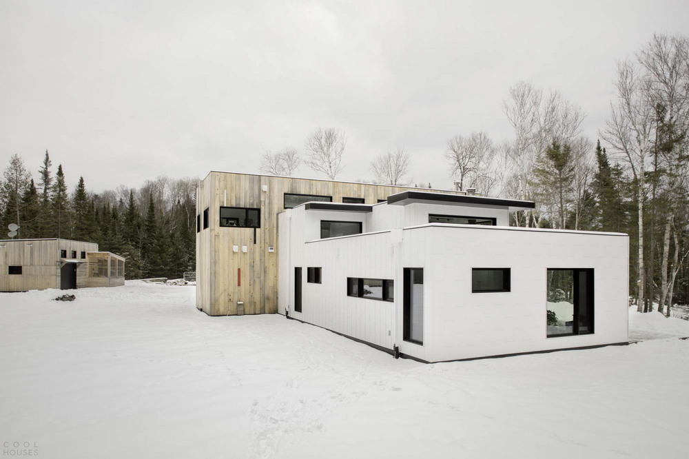 Загородный Т-образный дом в Канаде