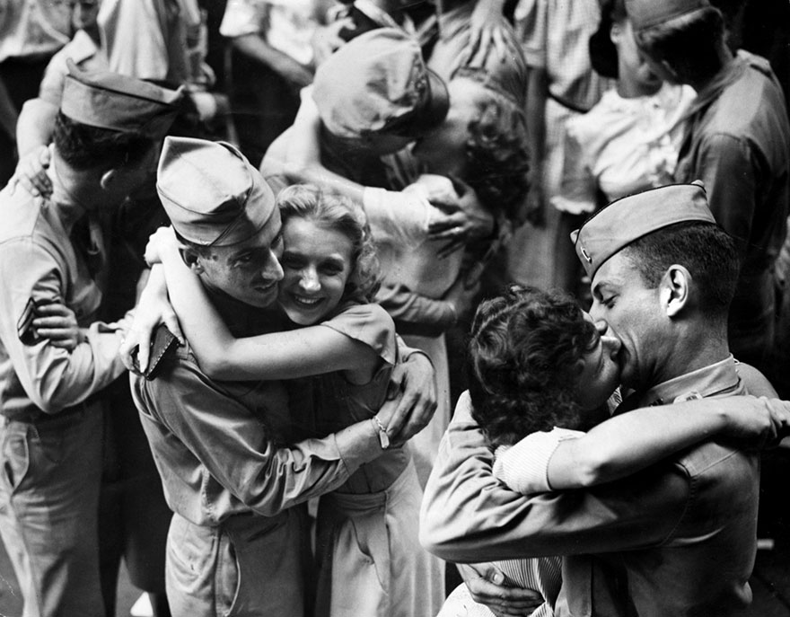 Любовь во время войны: как провожают и встречают солдат