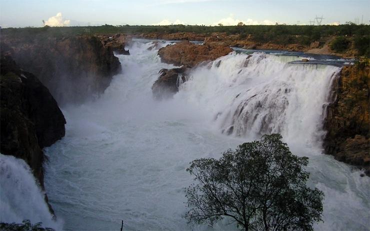Самые быстрые и мощные водопады в мире