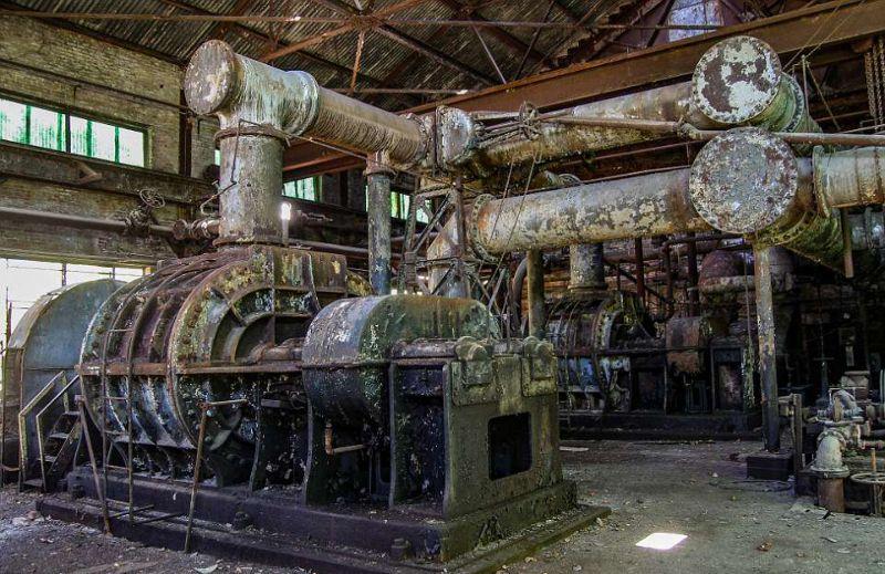 Останки некогда процветающего металлургического завода