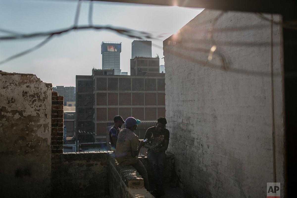 Мэр Йоханнесбурга хочет очистить здания от скваттеров