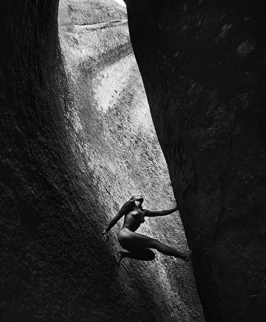 Обнаженные альпинисты в фотопроекте Дина Фидельмана