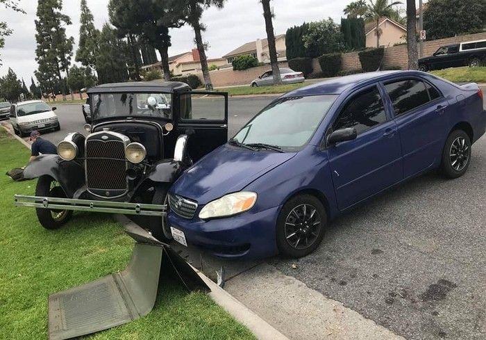 В США водитель врезался в раритетный Ford Model A 1931 года