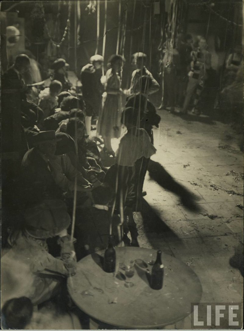 Редкие фотографии со съёмочных площадок 1920-х годов