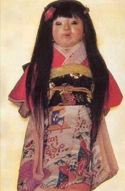 Кукла-призрак Окико, у которой растут волосы