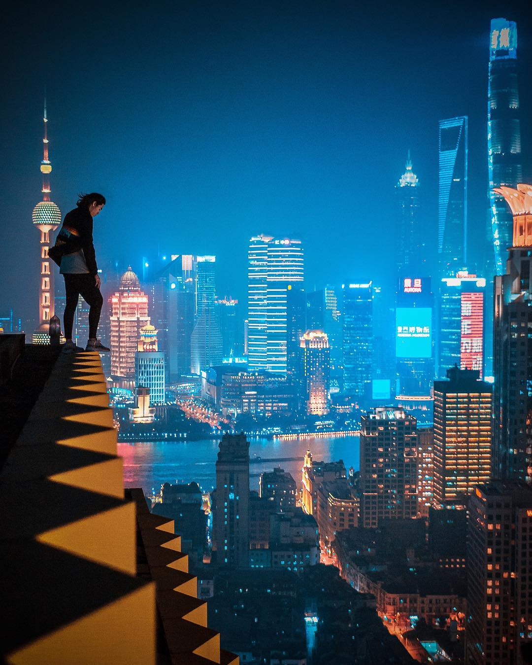 Ночные сцены на городских улицах Китая от Виктора Чанга