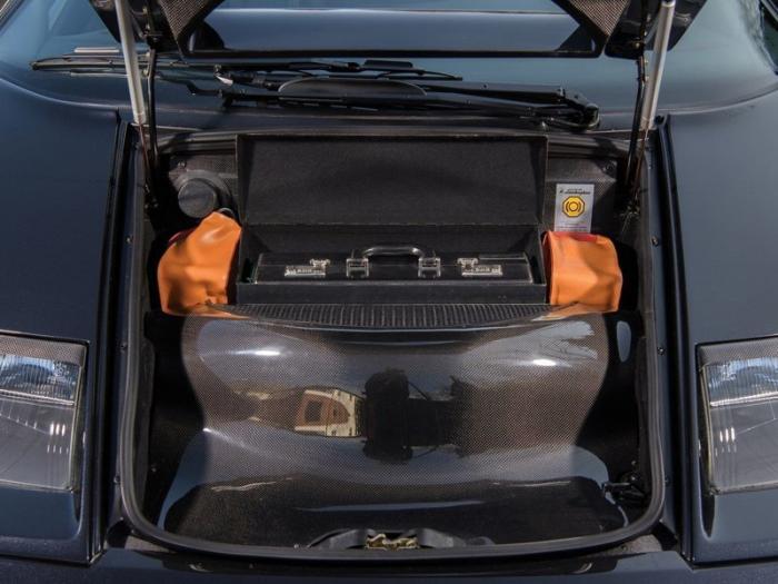 Суперкар с чемоданом Lamborghini Diablo GT 1999