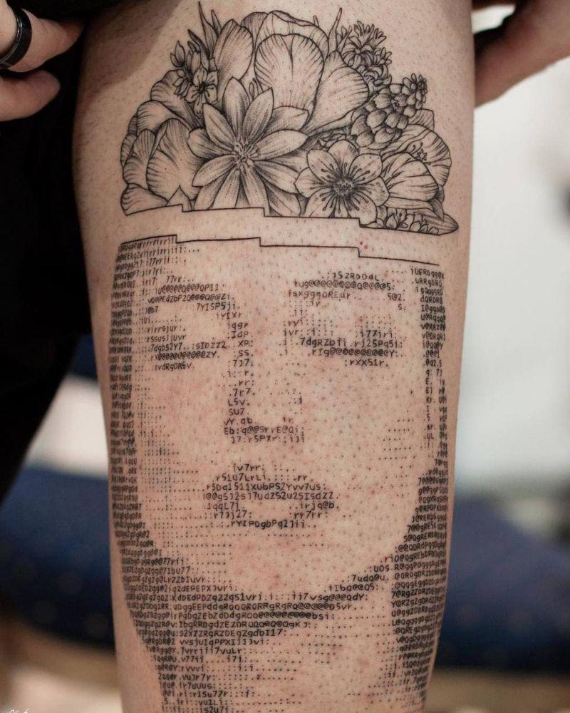 Татуировки в стиле компьютерного ASCII-арта