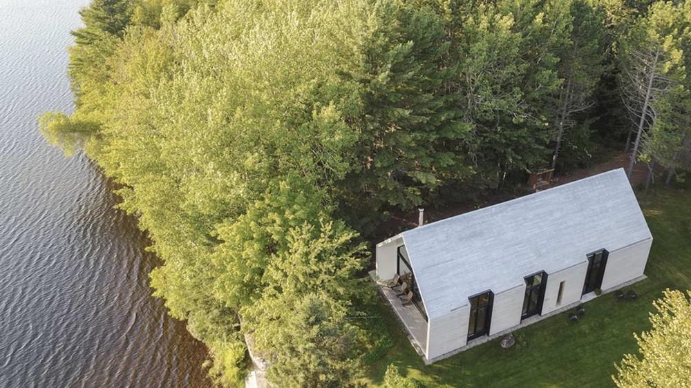 Дом Окно на озеро в Канаде