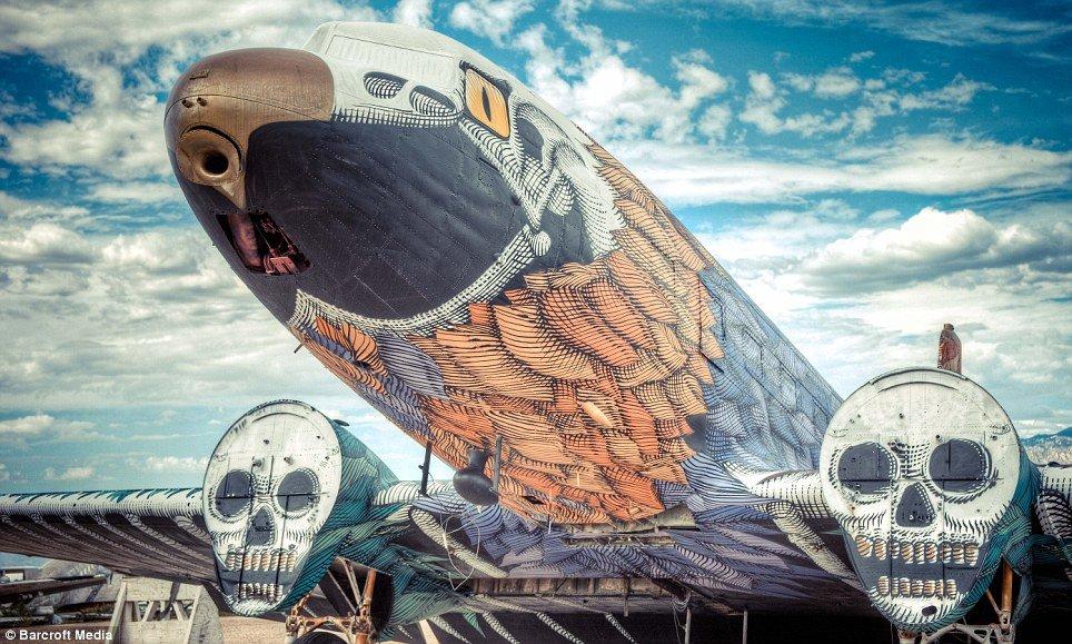 Граффити на кладбище самолетов