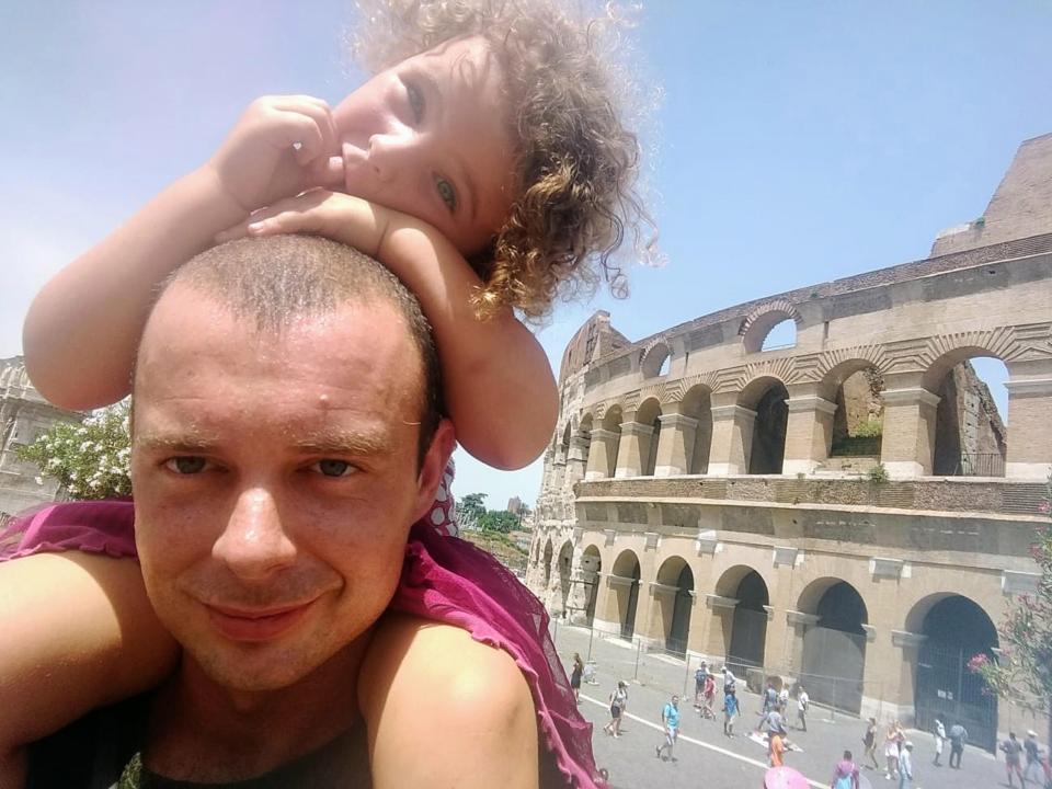 Пара уволилась с работы, чтобы путешествовать по Европе