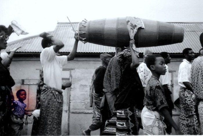 Как проходят похороны в Африке