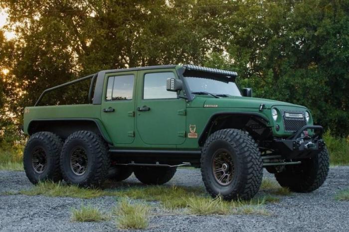 Шестиколесный Jeep Wrangler от компании Bruiser Conversions