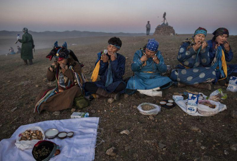 В Монголии ни одно дело не проворачивается без шамана