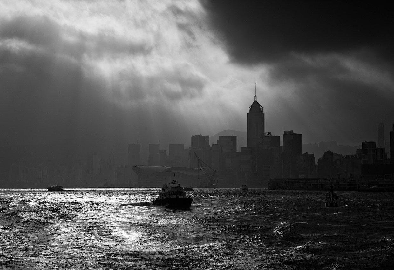 Современный Гонконг на черно-белых фото