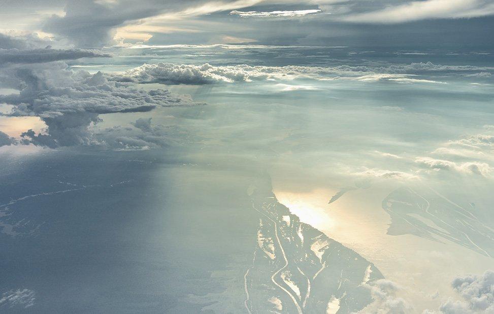 Живописные облака на высоте 6 000 метров