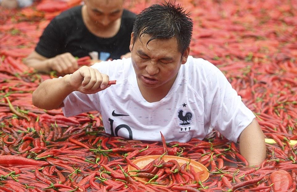 Ежегодный конкурс по поеданию перца чили в Китае