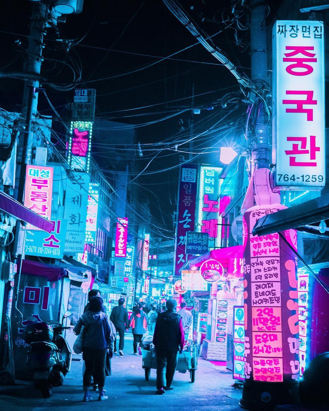 Фантастические неоновые уличные фотографии от Стива Рое