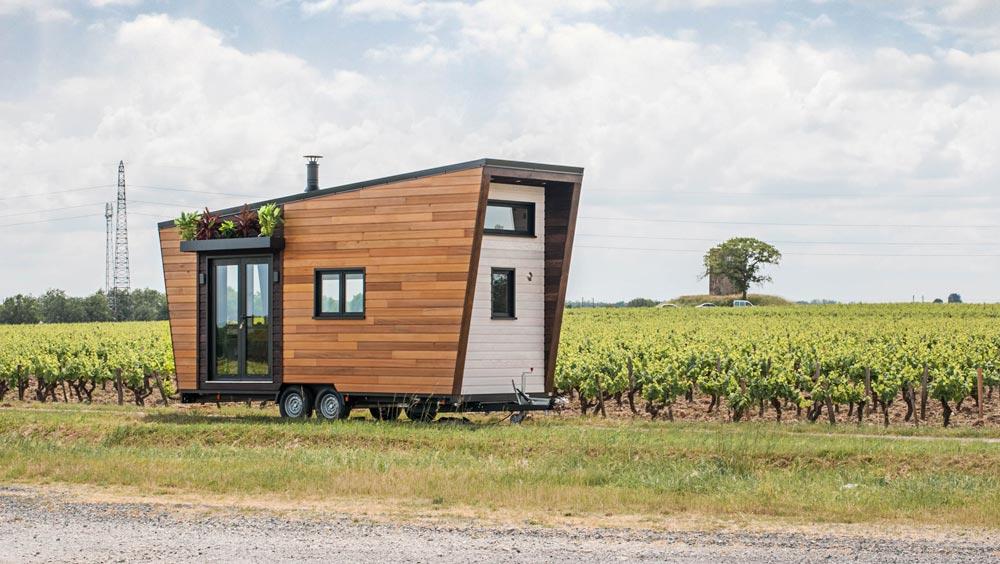 Небольшой дом на колесах со всеми удобствами