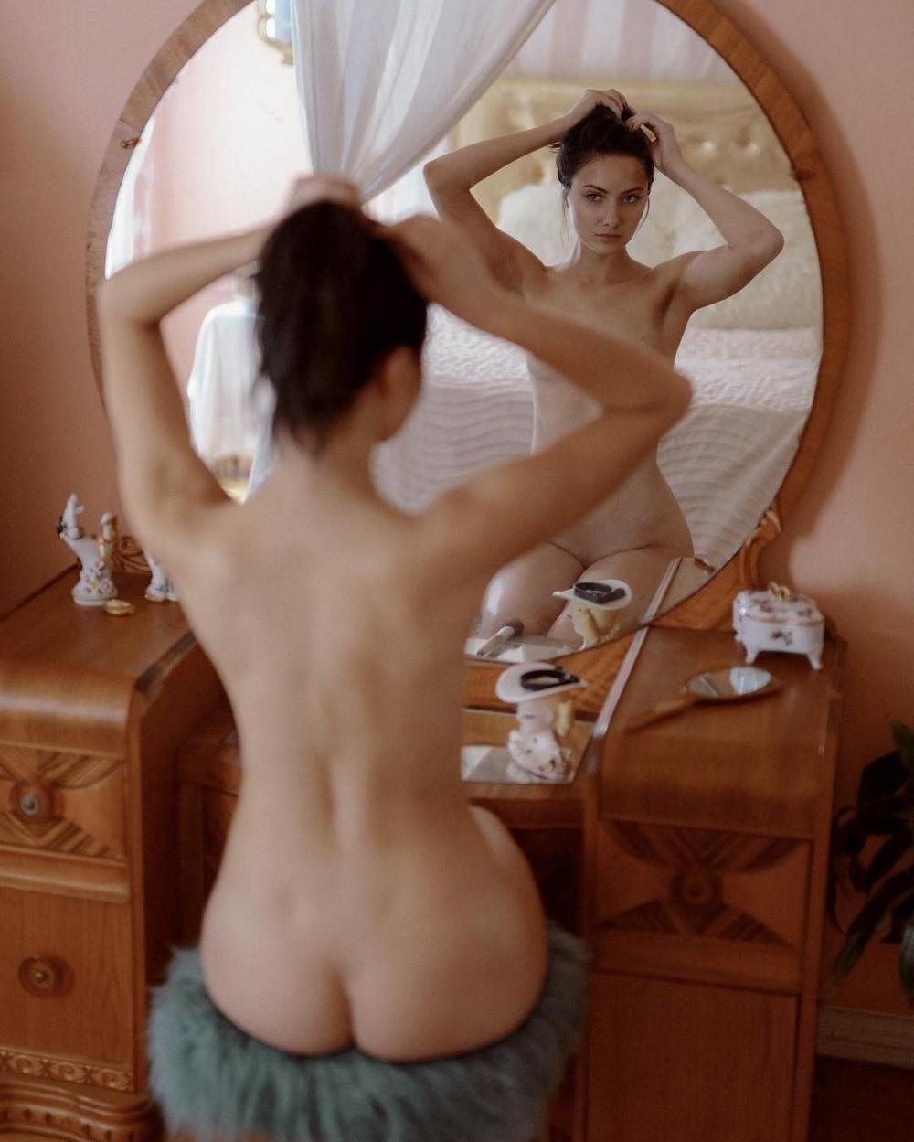 Чувственные снимки девушек от Натана Лобато