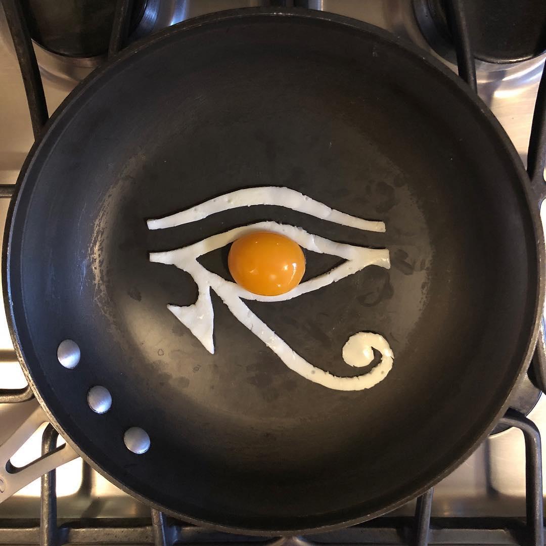 Мексиканка создает произведения искусства из яиц