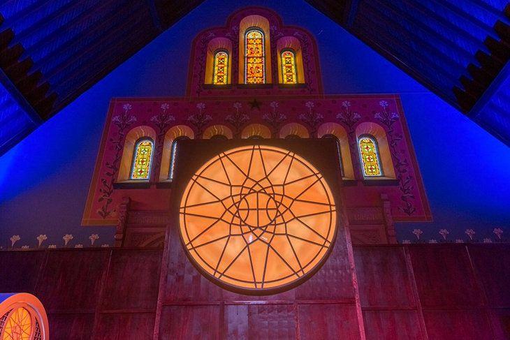 Nike превратила церковь XIX века в огромный спортзал