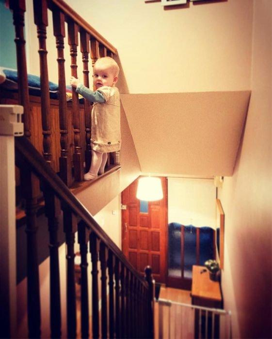 Фотошопер пугает родственников фотографиями своей дочери